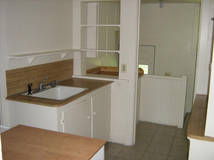 1429 Grandview Ave kitchen