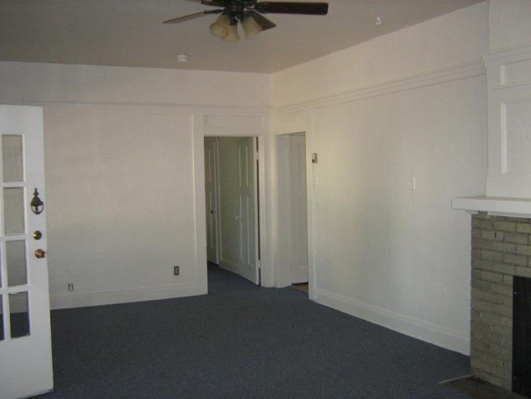 1510 13th street living room photo