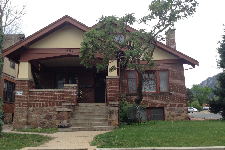 1302 Grandview Avenue house front