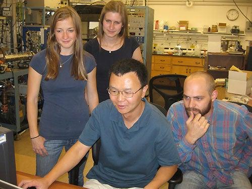 Members of Dr. Veronica Bierbaum's research group