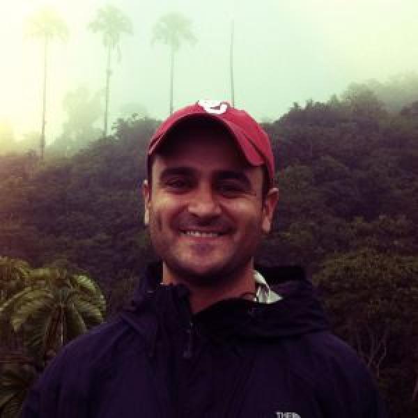Dr. Julian Resasco