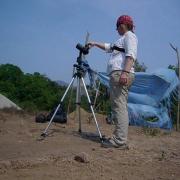 Jane shooting spherical photography in the Lower Rio Verde Valley. Jane tomando fotografía esférica en el valle del bajo río Verde.
