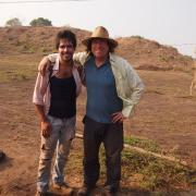 Victor Salazar with Art Joyce. / Victor Salazar con Arthur Joyce.