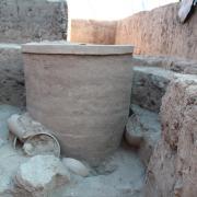 Vessel containing a human burial at Río Viejo. / Vasija conteniendo un entierro humano en Río Viejo.