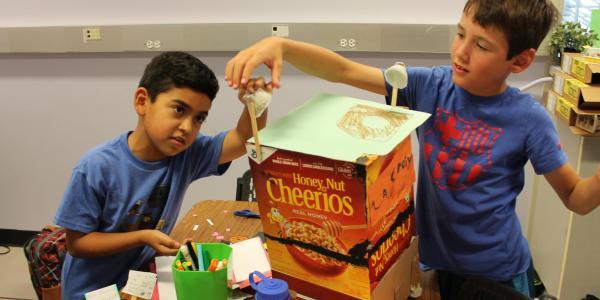 boys building craft