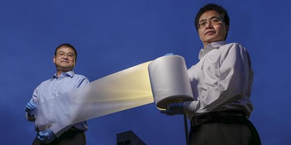 CU boulder researchers demonstrating their newly engineered material