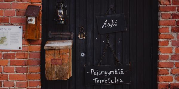 Finnish writing on door