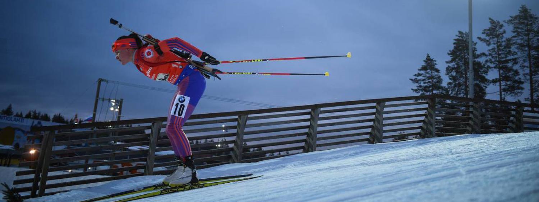 Joanne Reid skiing