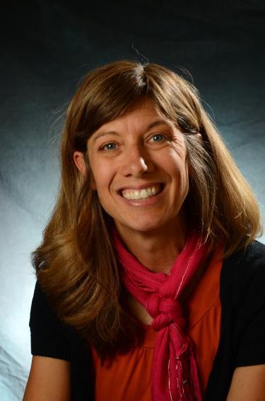 Headshot of Jen Lewon