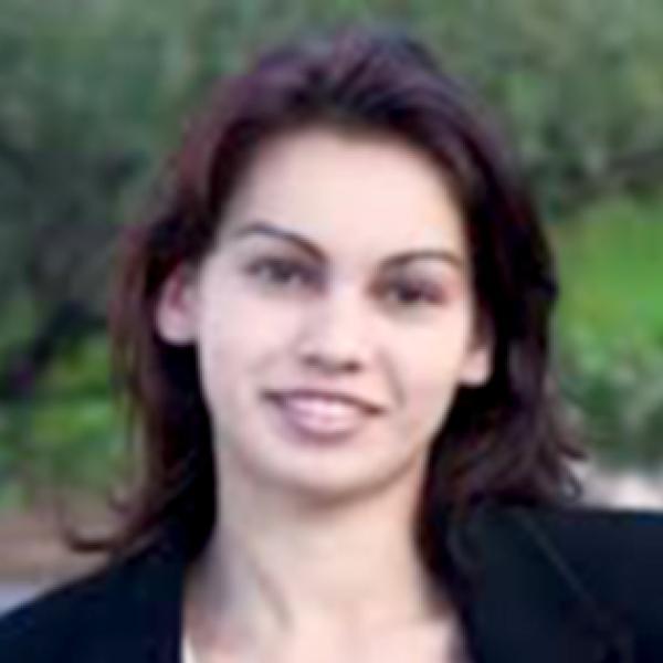 Yana Izdebskaya