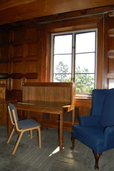 A quiet study nook in Sewall's Harding Lounge