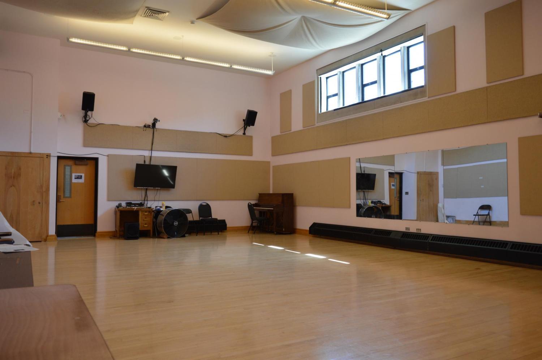 Dance Studio W325
