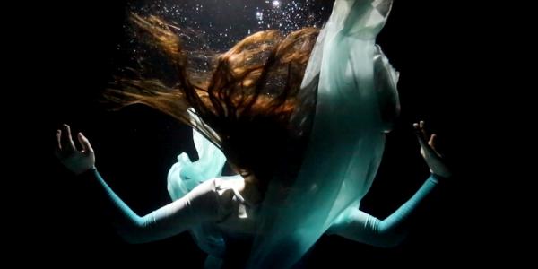 Rae Lewark underwater