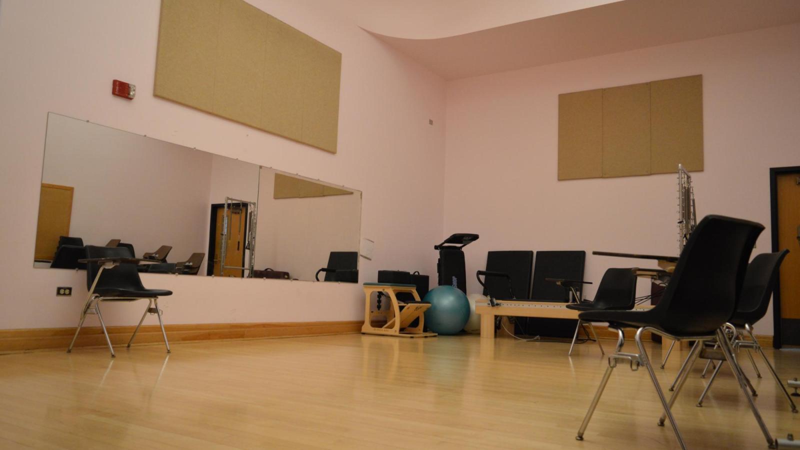 Dance Studio: W305