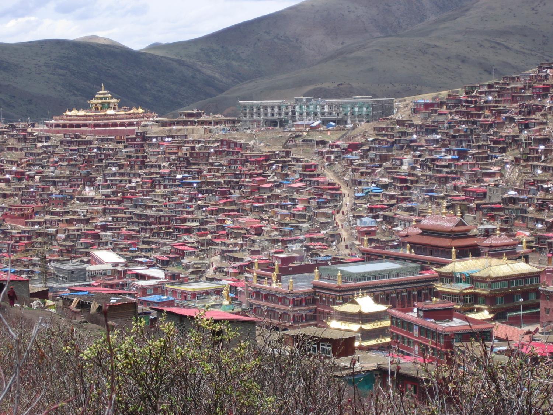 Panorama of Larung Gar