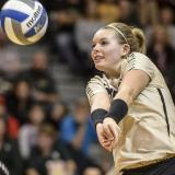 Sportswomen of Colorado honoree Alexa Smith playing volleyball