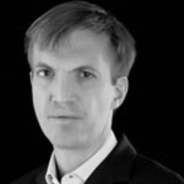 Erik Gerding headshot