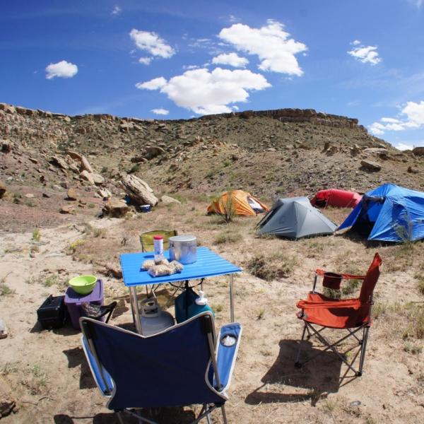 A research camp near Yellow Jacket, Colorado. (Credit: McCain Lab)