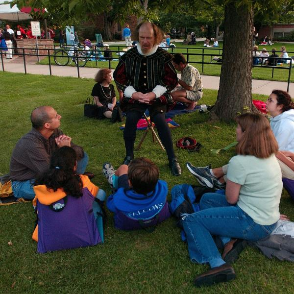 Picnicking at Shakespeare Gardens before showtime