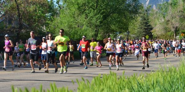 Racers run the Bolder Boulder