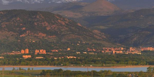 A view of Boulder and the CU Boulder campus from Davidson Mesa