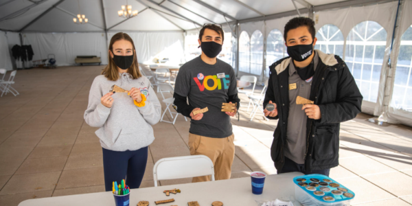 Students at a grab-and-go event on campus