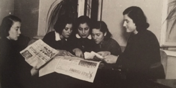Girls reading Yiddish and Polish newspaper in the 1930s