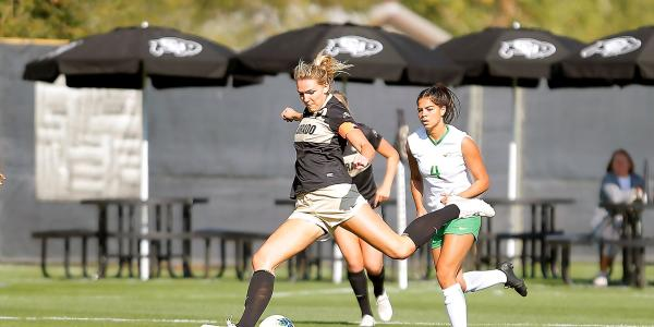 Colorado's Taylor Kornieck about to kick the ball against Oregon