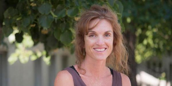 Lisa Marshall headshot