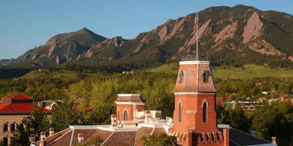 Old Main in front of the Flatirons