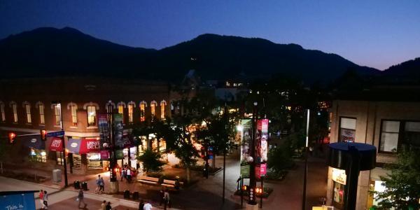 Pearl Street Mall at night