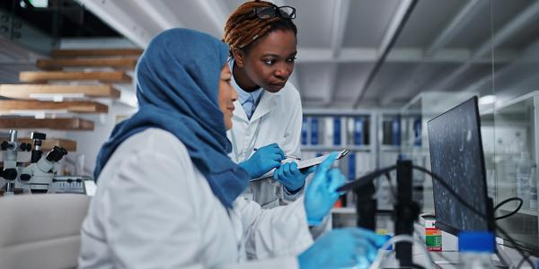 Women researchers working in a lab