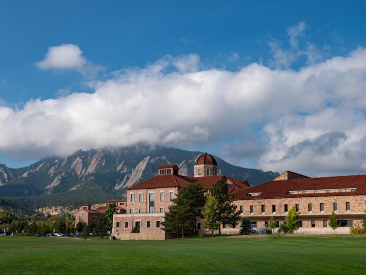 Photo of the Leeds School of Business at CU Boulder.