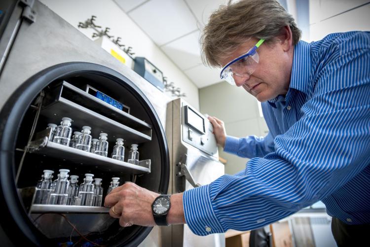 Theodore Randolph removes vaccines
