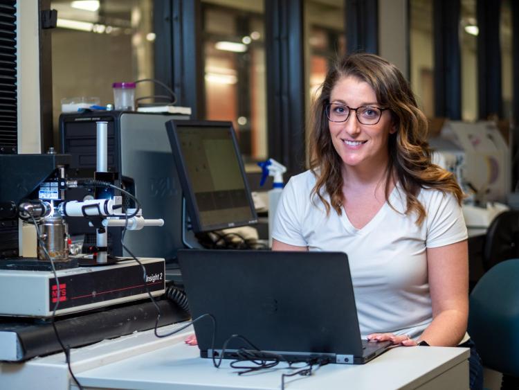 Kristine Fischenich working in lab