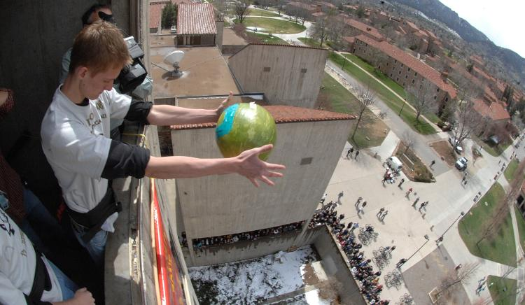 students engineering days egg drop