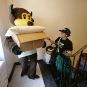 Chip and a CU volunteer help during move-in
