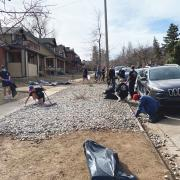 CU community members cleaning up the Hill after the March 6 disturbance