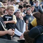 Families converged on the CU Boulder campus for the 2019 Family Weekend festivities on Oct. 4, 2019. (Photo by Casey Cass/University of Colorado)