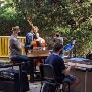 An outdoor CU Boulder jazz rehearsal