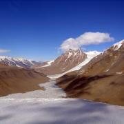Taylor Valley in the McMurdo Dry Valleys. Credit: Dave Haney, NSF