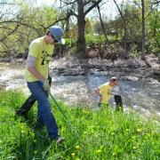 Students cleaning up near the Boulder Creek