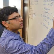 profesor prashant nagpal at whiteboard